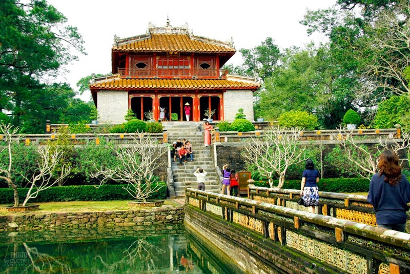 minh-mang-royal-tombs Hue city tour