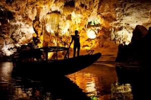 caves-300x200 tham quan động phong nha 1 ngày