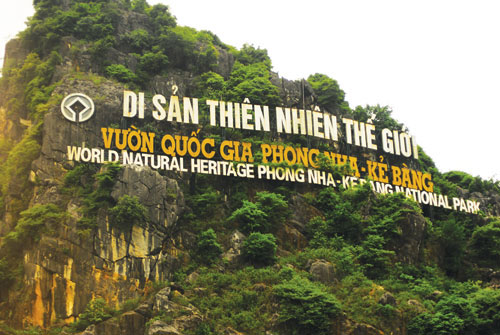 Phong Nha & Paradise Cave <div style='color:#ff0000;font-size:14px;'> Duration : 2days/1night - Pick up & Dropp off at hotel </div>