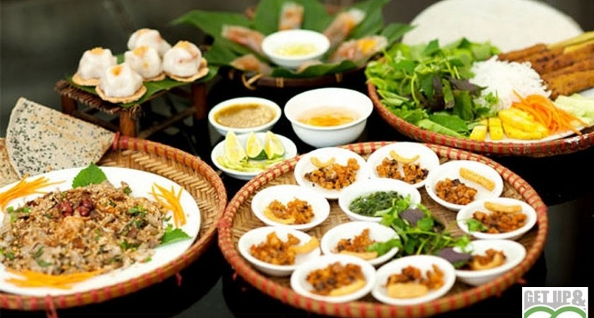 Dinner on the boat in Hue <div style='color:#ff0000;font-size:14px;'>  Dinner & Lunch on the dragon boat in Hue</div>